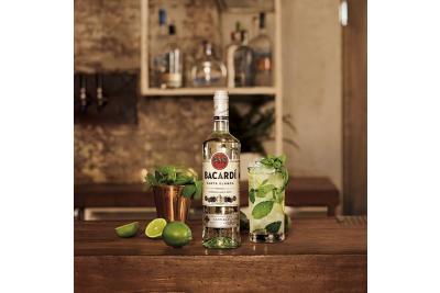Cu o sticla de Bacardi poti sa faci minuni! Iata cateva cocktail-uri delicioase!