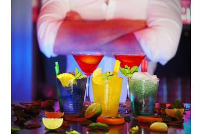 Si barbatii beau cocktailuri!