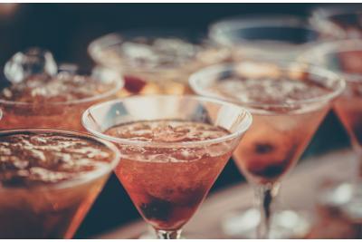Surprinde-ti invitatii si intampina Sarbatorile Pascale cu cateva idei de cocktail-uri!