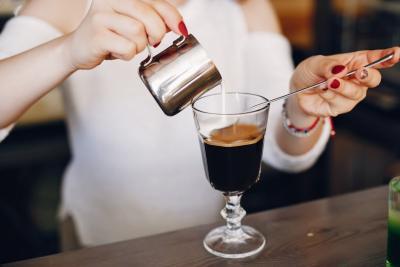 Cocktailuri cu cafea intense si savuroase. Retete simple, pe intelesul tuturor!