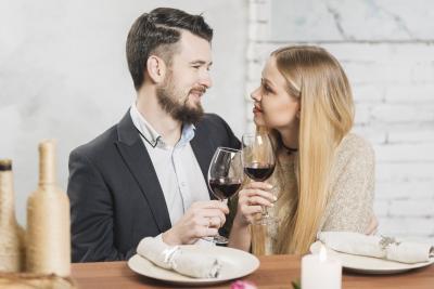 Acestea sunt efectele vinului rosu asupra barbatilor! De ce le place atat de mult aceasta bautura?