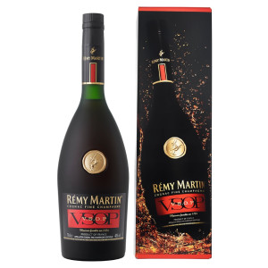Remy Martin - Cognac VSOP cutie - 0.7L, Alc: 40%